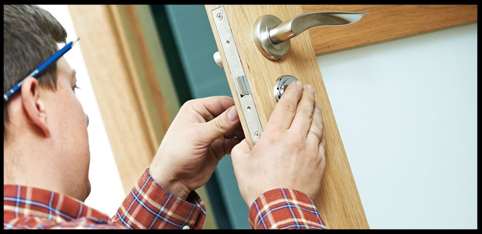 cerradura con una llave dentro