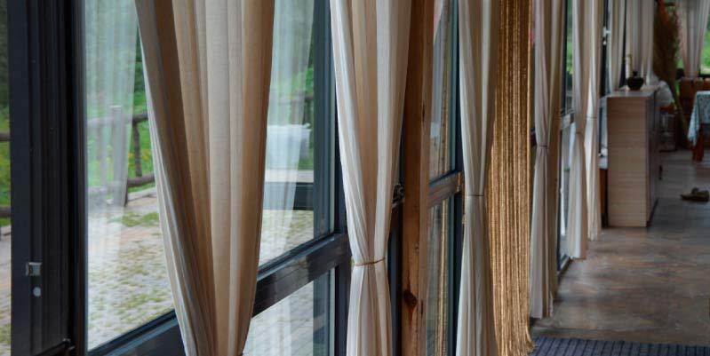 como escoger cortinas para sala