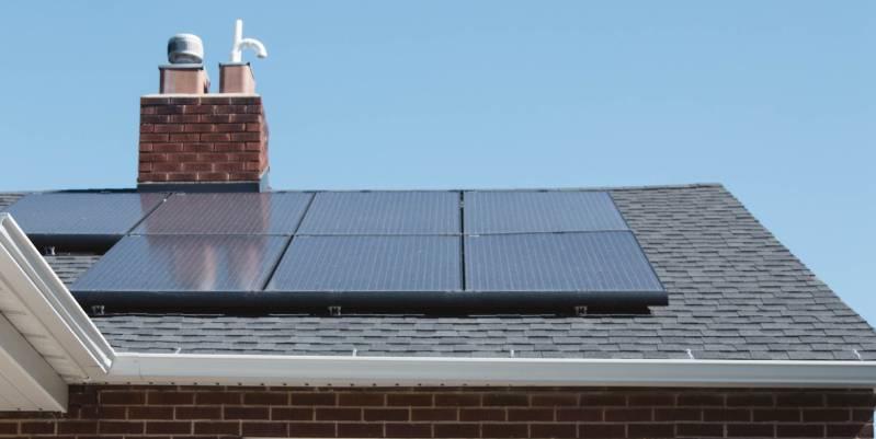 cuántos paneles solares necesito para una casa